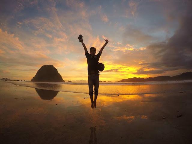 pulau merah bwi, pulau merah jawa timur, tempat wisata banyuwangi