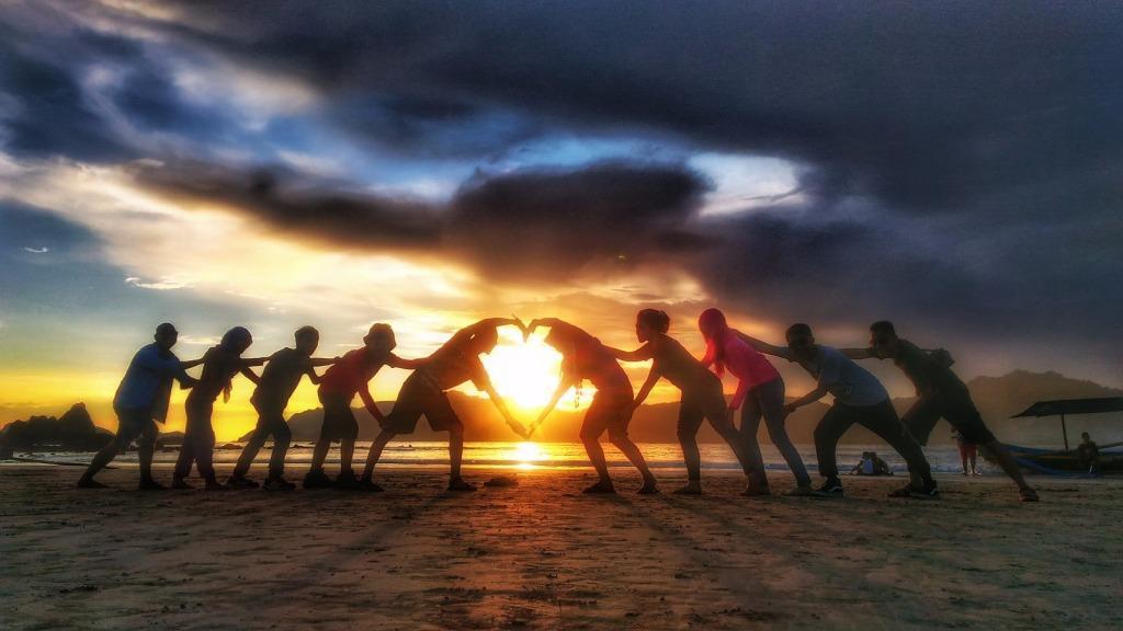 pulau merah banyuwangi, tour banyuwangi, wisata banyuwangi murah