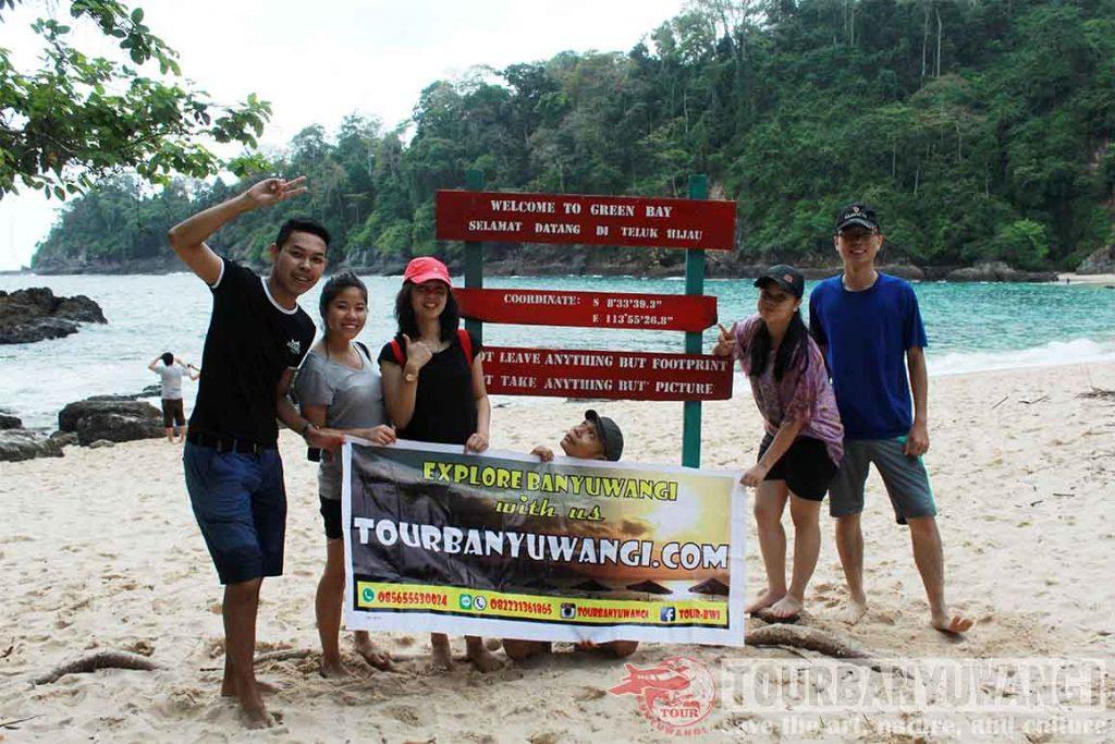 green bay beach, wisata banyuwangi, paket wisata banyuwangi 1 hari