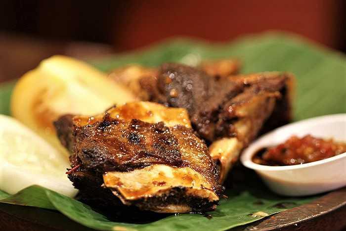 Iga bakar, steak, Resto Gama Banyuwangi