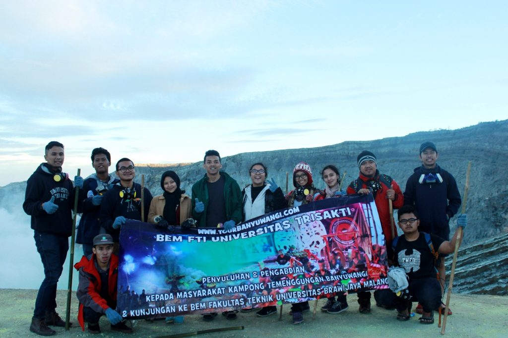 paket tour kawah ijen banyuwangi, gunung ijen banyuwangi, kawah ijen banyuwangi jawa timur