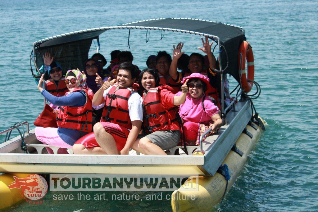Paket Wisata Banyuwangi 2 hari 1 malam Explore Valuable Tour, Objek wisata Banyuwangi, Menuju Bangsring Underwater