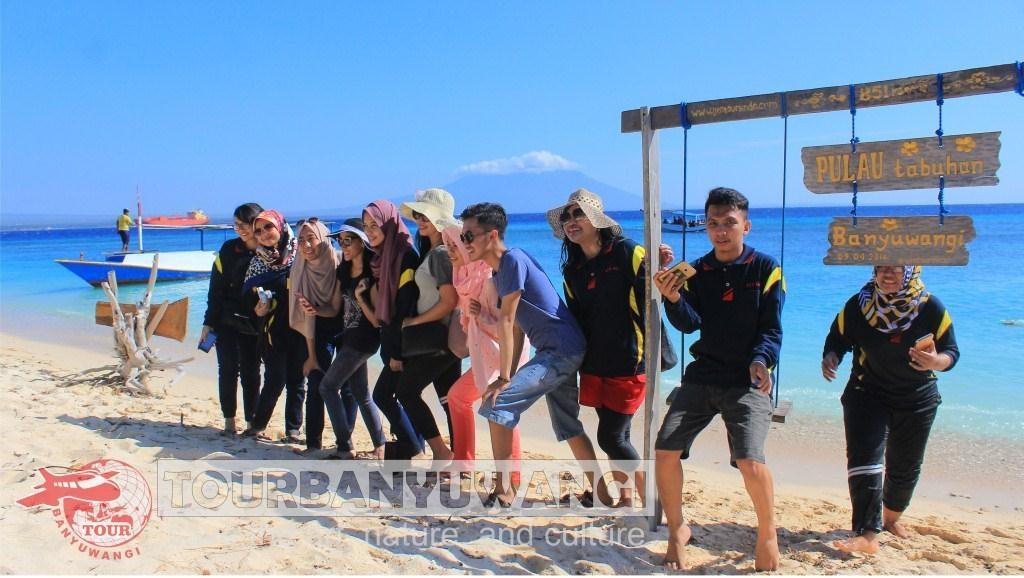 paket gathering kantor, tempat wisata banyuwangi, wisata pulau tabuhan banyuwangi