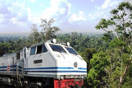 kereta api ke banyuwangi dari jakarta , kereta api indonesia , paket wisata ke banyuwangi