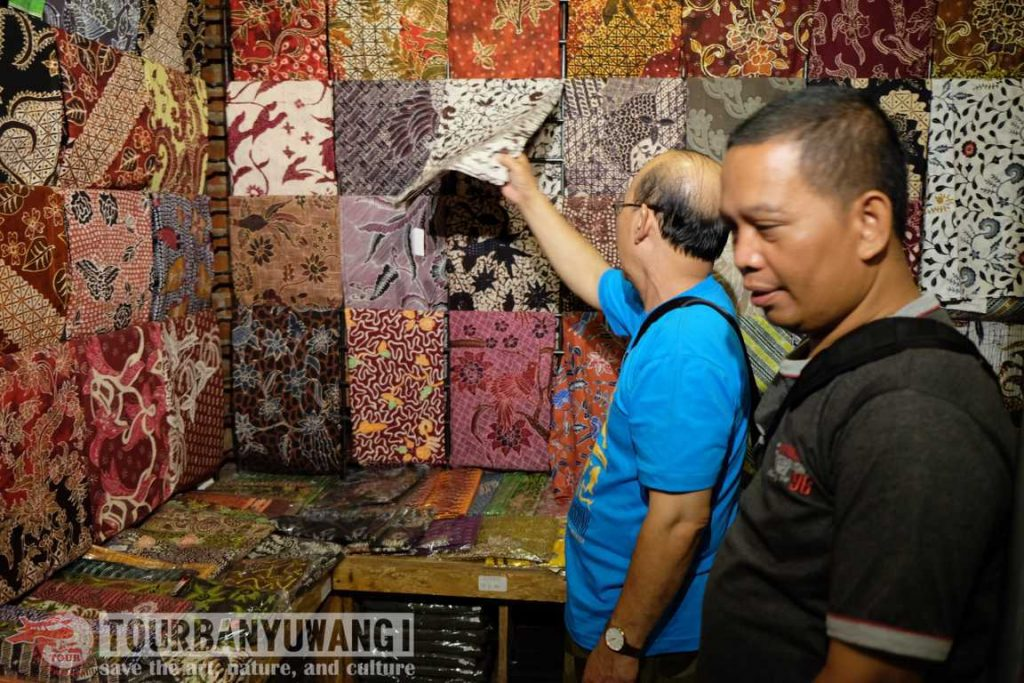 Batik banyuwangi, motif batik banyuwangi, pusat oleh-oleh banyuwangi