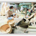 wisata banyuwangi yang mudah dijangkau, Pengrajin bambo di banyuwangi, desa gintangan, www.tourbanyuwangi.com, 08113411712