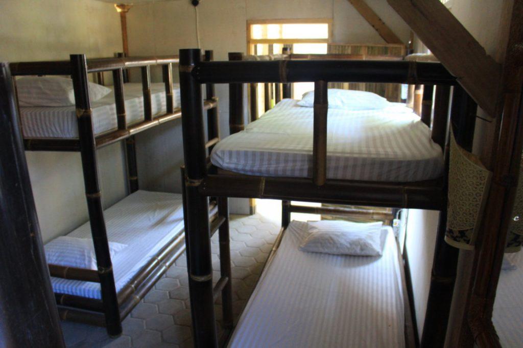penginapan-murah-di-Banyuwangi-Dormitory-di-Banyuwangi-backpacker-kawah-ijen-www.tourbanyuwangi.com-62811-341-1712